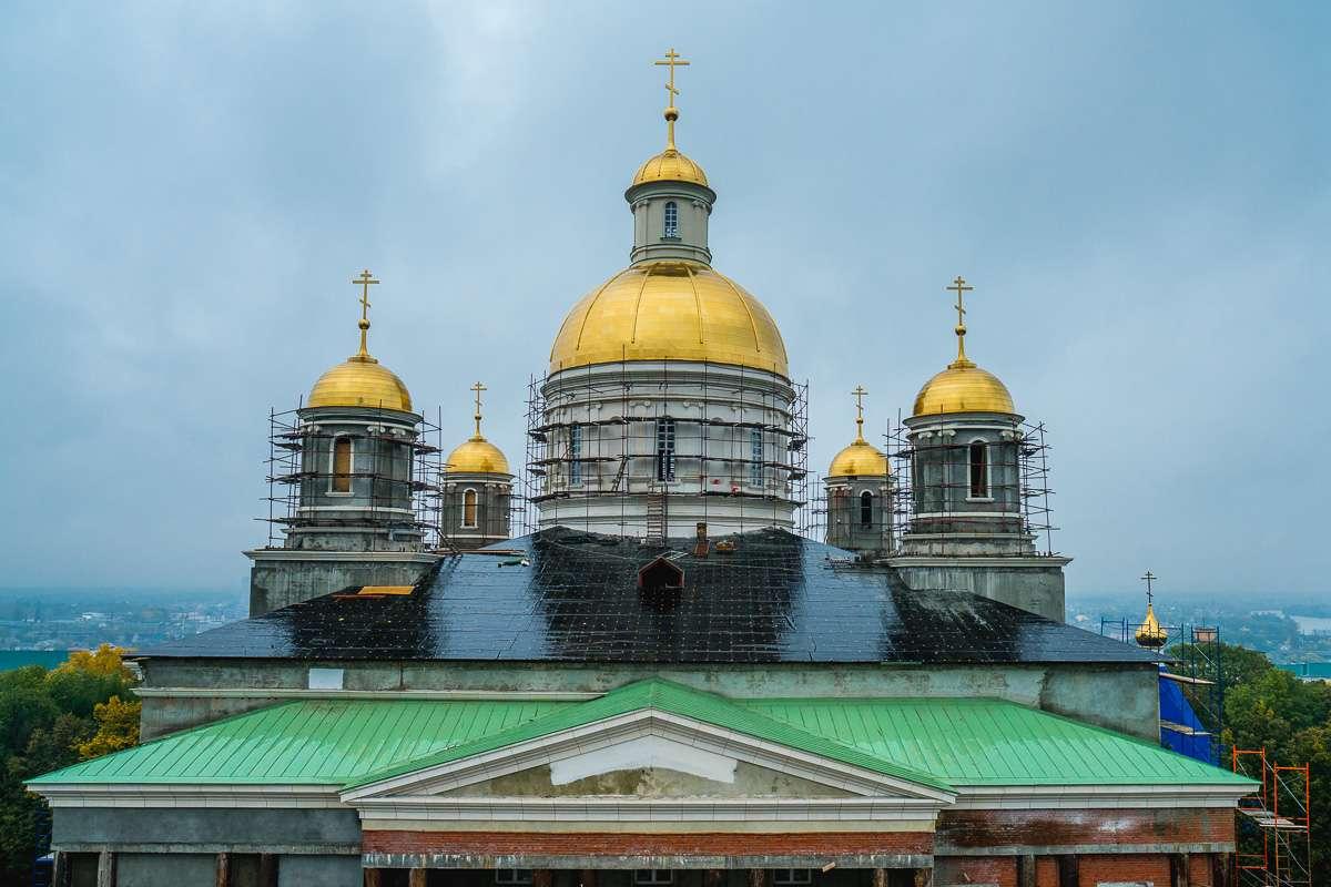 Вид на собор с колокольни