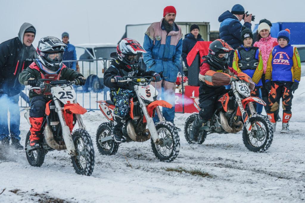Зимний мотокросс в Кузнецке