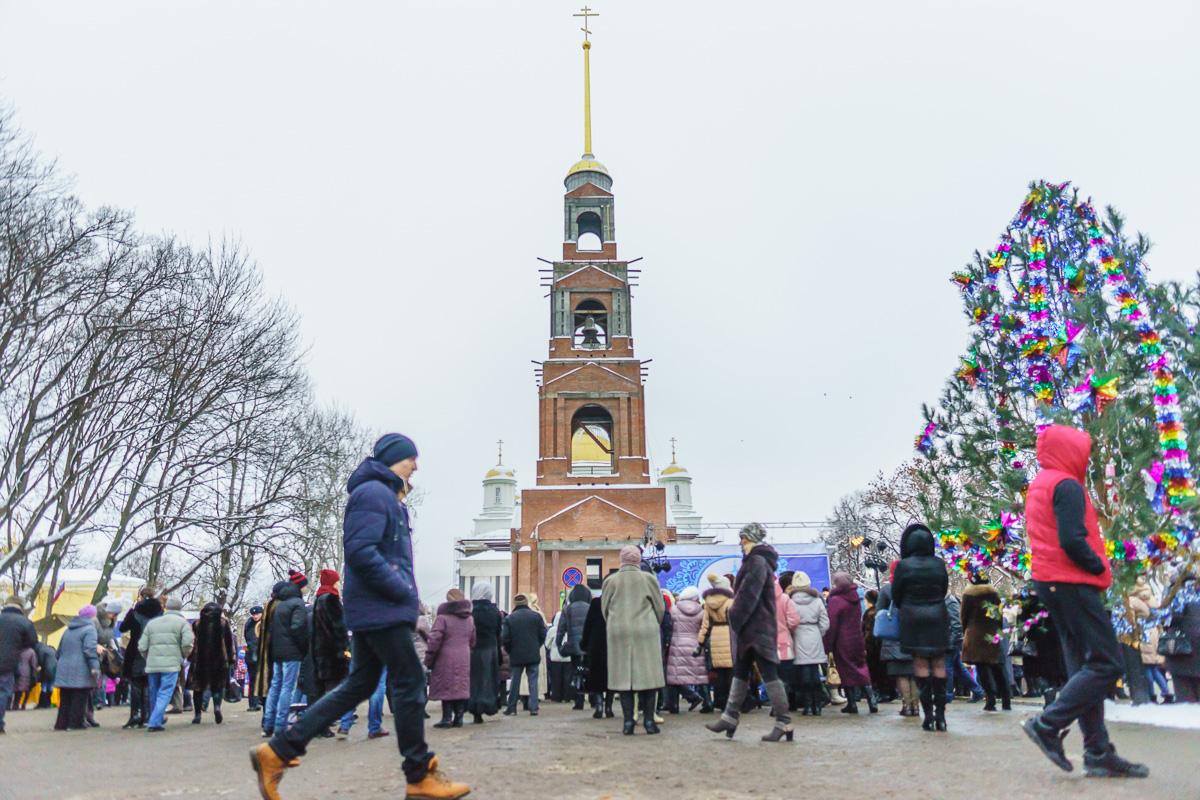 Пенза Соборная площадь Спасские вечера. Рождественские встречи