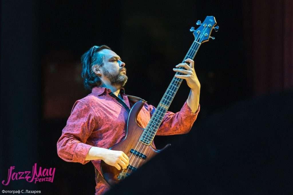 Антон Горбунов (бас)