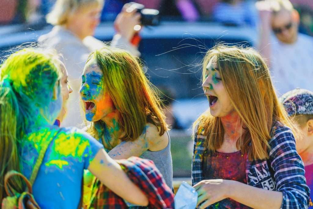 Фестиваль красок холли